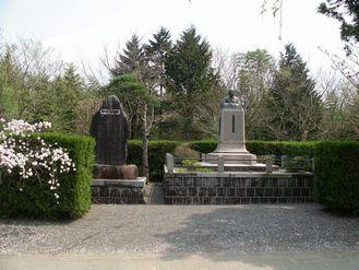 銅像 堀内良平