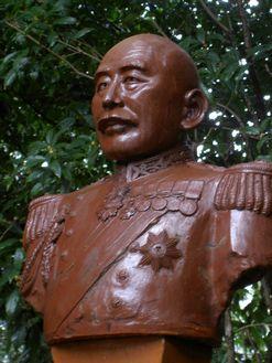 銅像 八代六郎